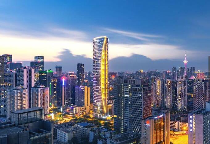 这是我国第二个拥有六环路的城市,耗资两百多亿