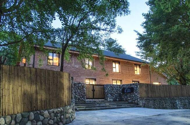 杭州天目山民宿改造设计,把山石野趣拥进家里的民宿