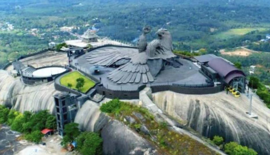 """世界最高""""鸟雕像"""",造型却遭人吐槽:太辣眼睛!"""