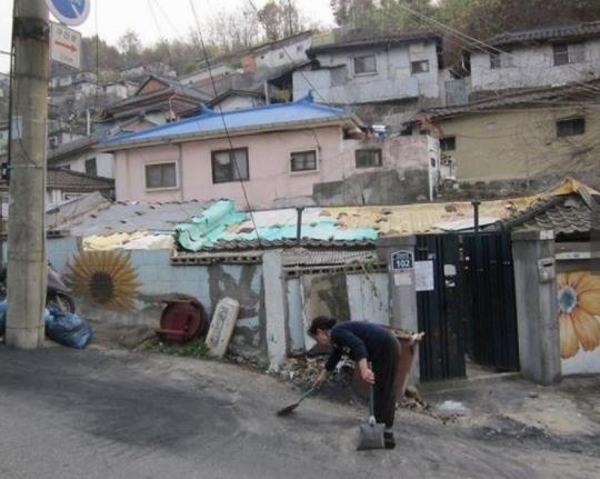 只有当你去一趟韩国穷人区,发现为啥都说韩剧是假的!